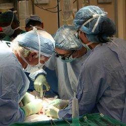 Kein Bargeld, kein Herz. Transplantations-Zentren erfordern den Nachweis der Zahlung